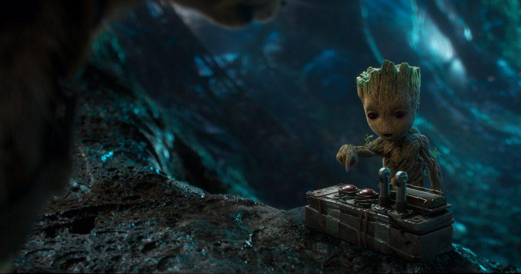 Pieni vesa Groot on viedä shown isommiltaan useammin kuin kerran. Kuva: Marvel Studios 2017.