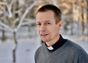 Ville Auvinen ei halunnut kirkon olevan hajuton ja mauton. Kuva: Sley.fi.