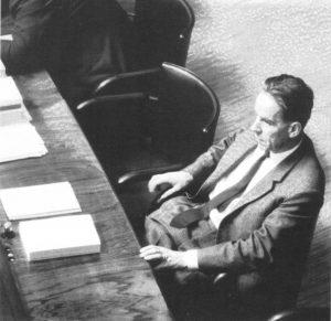 Mikko Juva – tällä kertaa eduskunnassa 1964. Kuva: Wikipedia.