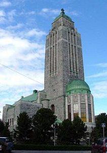 Kallion kirkko on yksi Helsingin kirkoista. Kuva: Wikipedia.