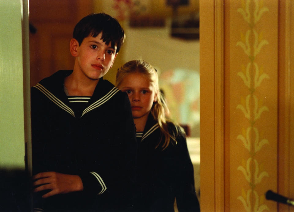 Fanny (Pernilla Allwin) ja Alexander (Bertil Guve). Kuva: KAVI.