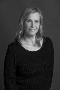 Hanna Hentinen on ottanut kirjan kuvat. Kuva: Uzi Varon/Kirjapaja.