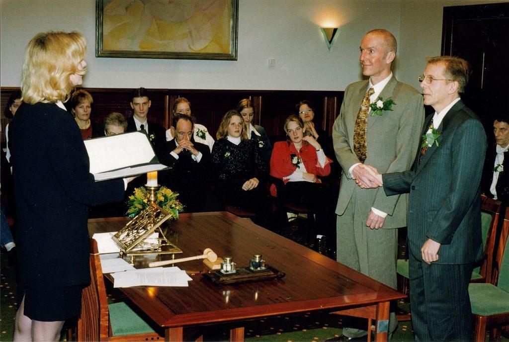 Miesparin vihkitilaisuus Amsterdamissa 2001. Kuva: Wikipedia.