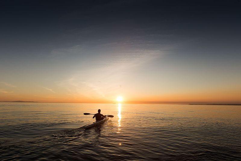 Chasing the horizon. Kuva: Wikipedia/Creative commons.