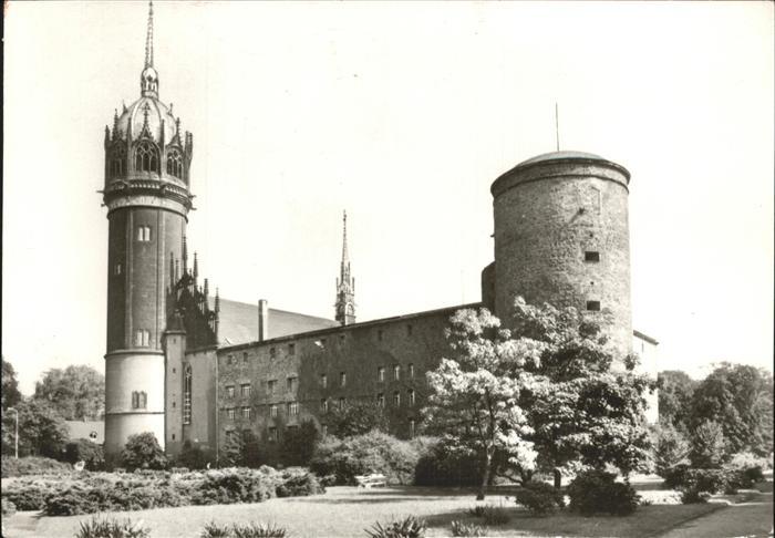 Wittenbergin linna ja linnankirkko vanhassa postikortissa.