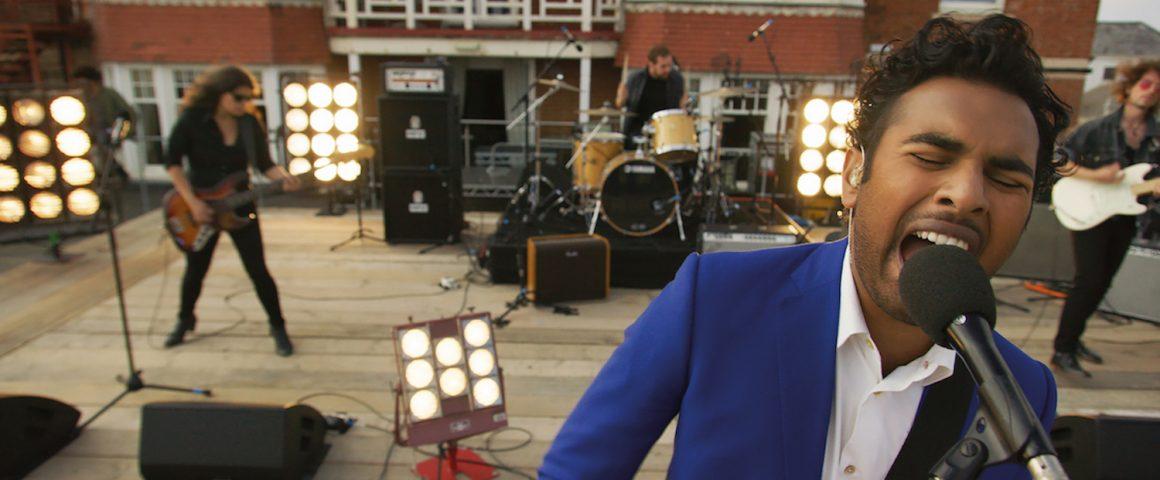 Jack Malik esittää rajun version Helpistä. Kuva: UpiMedia.