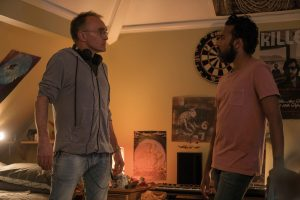 """""""Et sä mua määrää"""", sanoo Himesh Patel ohjaaja Danny Boylelle. Kuva: UpiMedia."""
