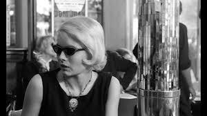 Elokuvan pääosassa on Corinne Marchand.