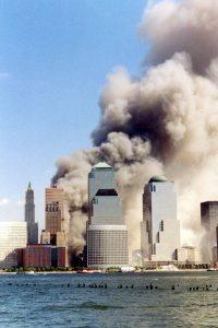 New Yorkin terrori-isku tapahtui 11.9.2001. Kuva: Wikipedia.