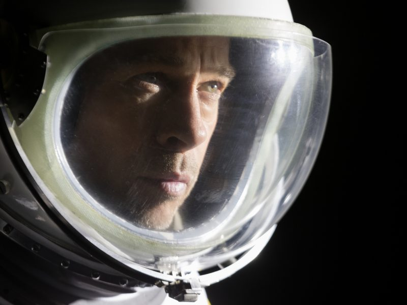 Brad Pitt on Ad Astran pääosassa. Kuva: Twentieth Century Fox Film Corporation.