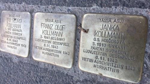 Kollmannin perheen muistokivet Helsingissä.