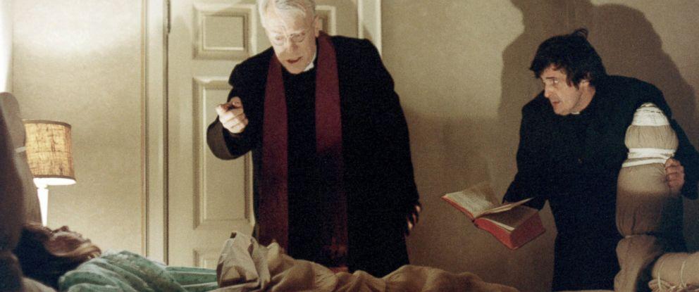 """Kuva William Friedkinin elokuvasta """"Manaaja"""" (1973)."""
