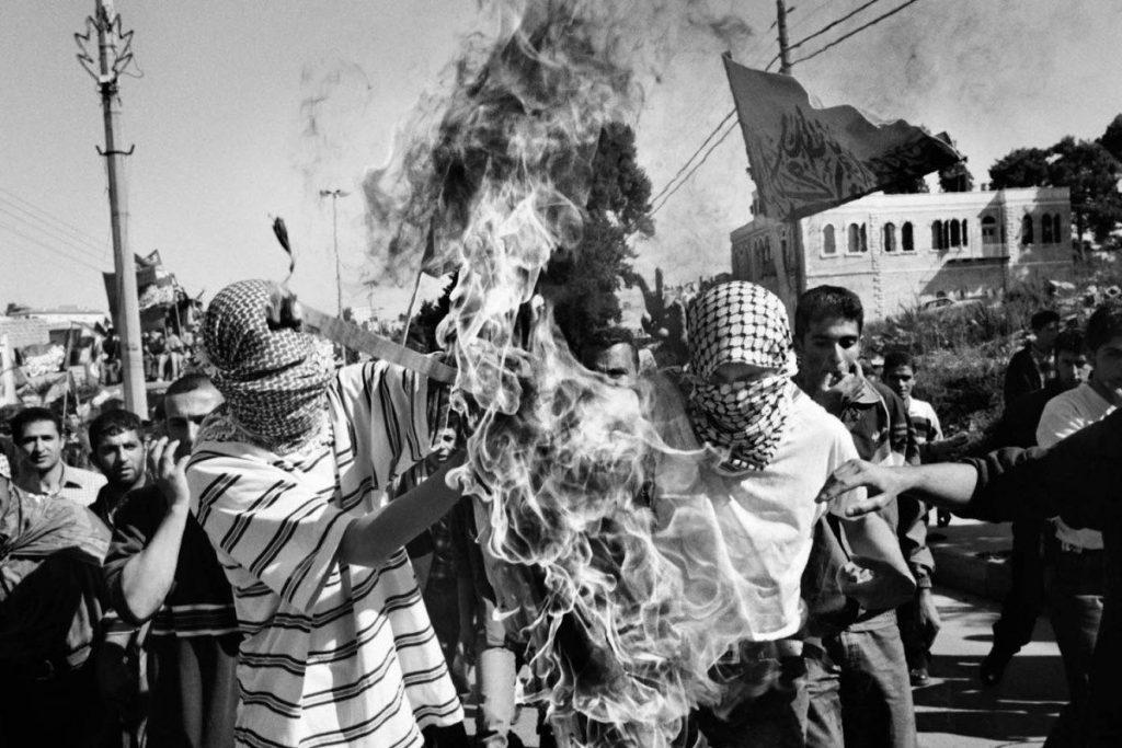 Ensimmäinen intifada alkoi 1987. Kuva: pinterest.com.