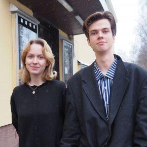 Jennin ja Aaron rooleissa ovat Aino Morko ja Eeli Jurvelin.