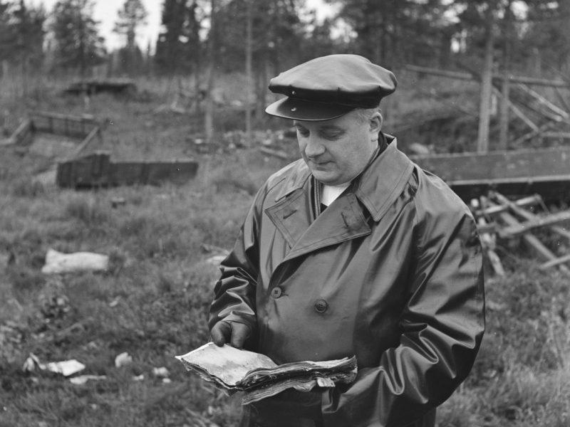Eino Sormunen 1950-luvulla. Kuva: Pekka Kyytinen/Finna.